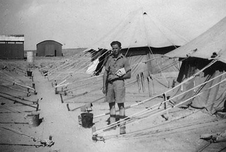 En dansk frivillig i en lejr i Palæstina