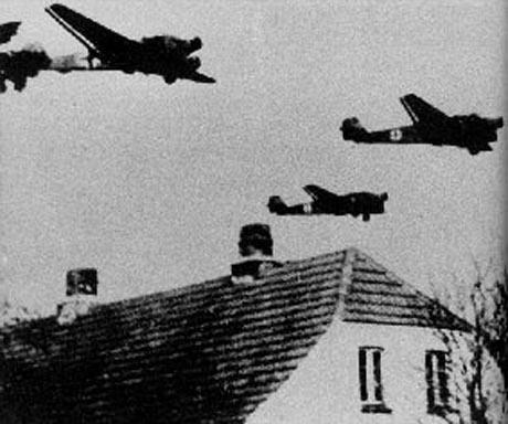 Tyske Ju 52 transportfly over Danmark, om morgenen den 9. april 1940