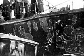 Billeder af skaderne, taget efter at skibene var blevet slæbt tilbage til Holmen i København. (foto:Orlogsmuseet)