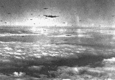 Sådan så luftrummet ud over Danmark, den 29.-30. august 1944. Fotograf ukendt.