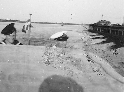 Orlogskaptajn K. i den omtalte motorbåd i sommeren 1945