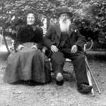 Billedet af Karen Marie Børresen og Niels Pedersen blev måske taget i anledning af 50 året for Slaget ved Dybbøl i 1864, eller i 1916, da de fejrede deres guldbryllup. På hans revers ses erindringsmedaljen for Krigen i 1864. Som de fleste andre veteraner fra de slesvigske krige modtog han i 1876, efter ansøgning, medaljen.