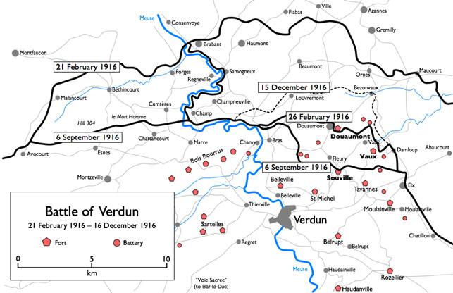 """Tyskernes idé med at angribe Verdun, som var den nordlige port til Paris i regionen Champagne, var at tvinge franskmændene til at ofre hæren, lade den forbløde, eller """"weissbluten"""" som det hedder på tysk, i forsvaret af knudepunktet og fæstningerne. I marts blev angrebet udvidet til den vestlige side af Meuse-floden, da man ønskede bedre mulighed for, at kunne observere og dermed bombardere det franske artilleri i Verdun-området. Regiment 84 blev sat ind på denne front ved Høj 304 i maj for at holde positionen, og fra september foran Fort Douaumont, på det centrale frontafsnit (Wikipedia)."""