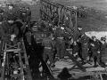 """6. Ingeniør Kompagni bygger en """"Bailey"""" bro over floden Weser"""