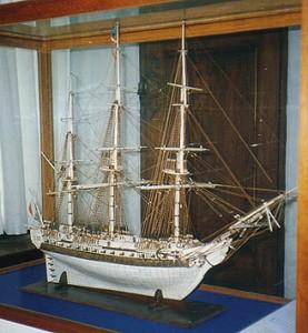 En af de få ting der var at lave i prisonen, var at lave skibsmodeller ud af ben. Dette eksempel, lavet af danske krigsfanger i England, er nu udstillet på Kronborg. (foto: Gert Laursen)