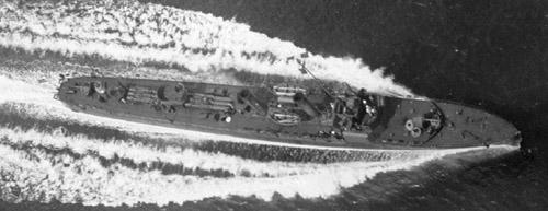 Torpedobåden Glenten (1933) fotograferet fra luften under fuldkraftsprøve
