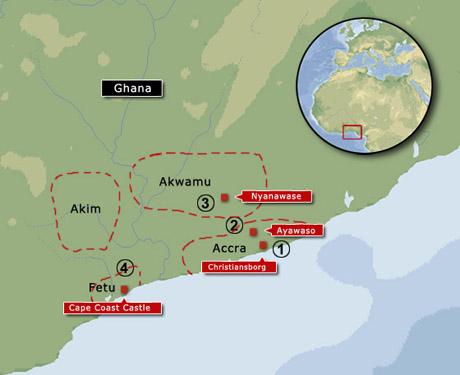 1 - I Ghanas hovedstad Accra ligger Christiansborg stadig og er en del af Ghanas regerings-kompleks. Tæt ved ligger det tidl. hollandske Fort Creveceur og det tidl. engelske Fort James.  2 - Ca. 15 km inde i landet lå Accra-hovedstaden Ayawaso. Slaget ved Nyantrabi i 1660 fandt formentlig sted nordfor.  3 - Tidl. lå Akwamus hovedstad ca. 100 km. længere mod nordvest, men pga. Akim-folket flyttede man den mod øst, hvilket også bragte dem nærmere europæerne og den indbringende handel ved kysten. Men først skulle Accra knækkes, hvilket skete i slaget i 1660.  4 - Her ligger Cape Coast Castle, som tidl. hed Carolusborg da svenskerne grundlagde fortet i 1652, og Karlsborg da den var dansk 1658-59. Siden narrede hollænderne det fra den danske kommandant, men det endte med at overgå til engelsk kommando da et kombineret dansk-engelsk angreb blev sat ind i 1664. Kun et kanonskuds afstand væk, ca. 1 km, ligger Fredriksborg som blev grundlagt i 1659 og mistet til englænderne i 1685 pga. gældsætning.  (grafik Gert Laursen)