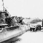 MS 3 og MS 5 fotograferet i Tirpitzhafen dagen efter de blev fundet i Laboe. En dansk P-kutter på siden. August 1945.
