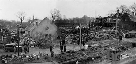 Holmen efter eksplosionen (foto: Orlogsmuseets samling)