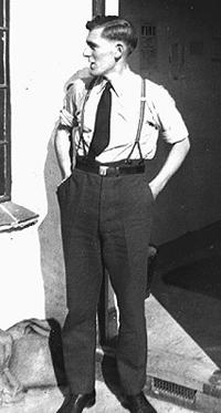 Sergent Donald V. Smith, fly-maskinist i det Kongelige Canadiske Flyvevåben (R.C.A.F.).