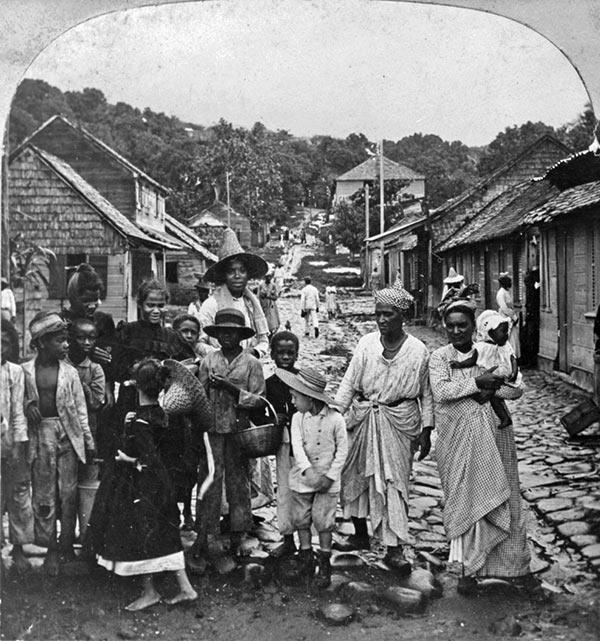 Evakuerede i Fort-de-France (William H. Rau via Wikipedia)