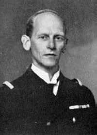 Den senere viceadmiral A. H. Vedel (1894-1981), har efterladt sig detaljerede dagbogsoptegnelser fra denne periode.