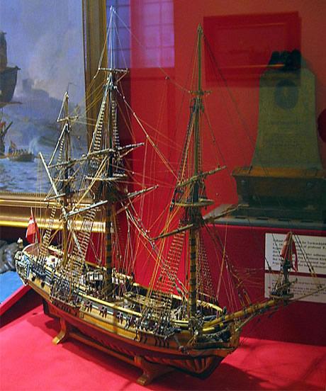 """Model af Tordenskjolds skib """"Hvide ørn"""". Modellen befinder sig på Orlogsmuseet."""