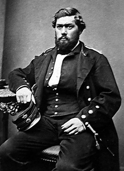 """Reservelieutenant Christian Bærentz, født 27.9.1831 i Frederikshavn. Han deltog som frivillig i 1849 ombord i linieskibet """"Skjold"""" og i 1864 som reservelieutenant i fregatten """"Jylland"""" (træfningen ved Helgoland 9.5.1864). Han blev senere lodsoldermand i Frederikshavn. Bærentz var dekoreret med ridderkorset af 1' grad, Dannebrogmændenes Hæderstegn samt dobbeltmedaillen for 1848-50 & 1864."""