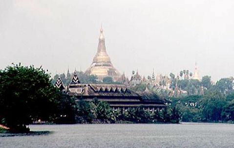 Shwe Dagon pagoden i Rangoon