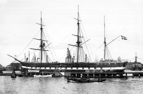 """Vagtskibet """"Sjælland"""" omkring år 1900"""