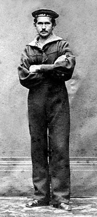 Hans Peter Ludvigsen, matros ombord på ROLF KRAKE omkring 1880. (foto fra Jesper Stenild)