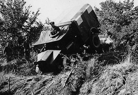 Et af Brigadens køretøjer på øvelse