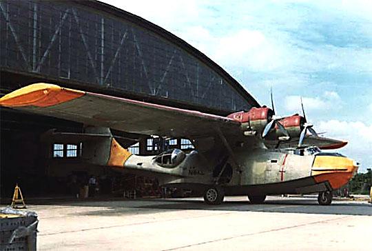 Udfaset PBY-6A Catalina, L-863, på vej til USA i 1972. Det havarede i august 1975 i Texas og tre besætningsmedlemmer blev dræbt. (foto: fra Alf Blume)