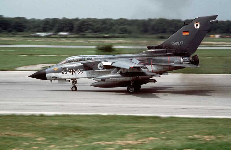 Tornadofly i det vesttyske marineflyvevåben. Foto: USNR 1984 (Wikipedia).