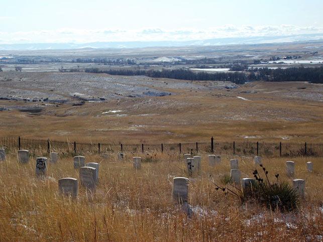 Slagmarken ved Little Big Horn, hvor general Custer og hans soldater fra US 7th. Cavalry faldt i juni 1876. Den store indianerlejr lå bag træerne ved Little Big Horn, en sideflod til den større Big Horn River. Chris blev oprindeligt rekrutteret til netop Custers 7. kavaleriregiment, men blev i Kansas overført til 5th. Cavalry.