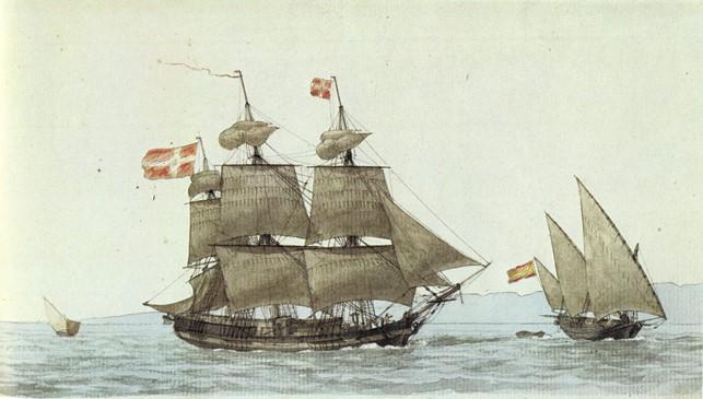 Rodes første kaperskib i tsar Ivans tjeneste var en tomastet pinke; et fladbundet, hurtigt og manøvredygtigt fartøj. Her et billede af marinemaleren Antoine Roux (1765-1835) af en dansk tremasters møde med en spansk pinke (Wikipedia).
